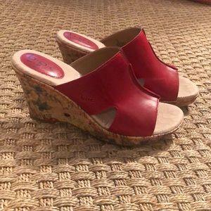 b.o.c by Born stunning wedge sandals. Sz 8 EUC